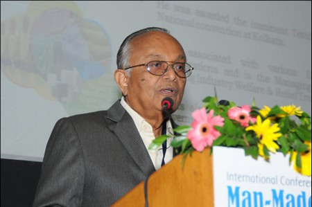 Mr Arun Jariwala speaking during the inaugural ceremony