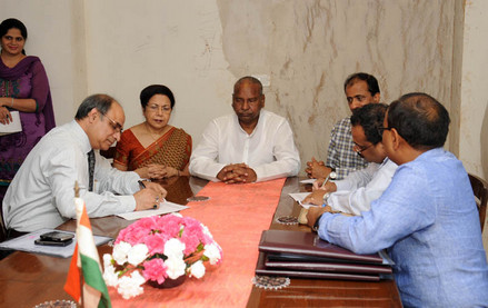 The Union Minister for Textiles, Dr. Kavuru Sambasiva Rao witnessing the signing of Memorandum of Understanding between National Textile Corporation Limited (NTC) and National Handloom Development Corporation Limited (NHDC), in New Delhi. The Secretary, Ministry of Textiles, Ms. Zohra Chatterjee is also seen.