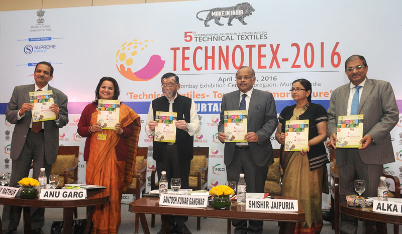 """The Minister of State for Textiles (Independent Charge), Shri Santosh Kumar Gangwar releasing the Baseline survey on Technical Textiles and BIS Standards, at the Curtain Raiser event of Technotex 2016 """"Technical Textiles – Towards a Smart Future"""", in New Delhi on January 29, 2016."""
