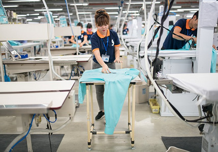 As labour costs rise in China, some of the world's biggest manufacturers are getting a big bang for their buck in Vietnam.