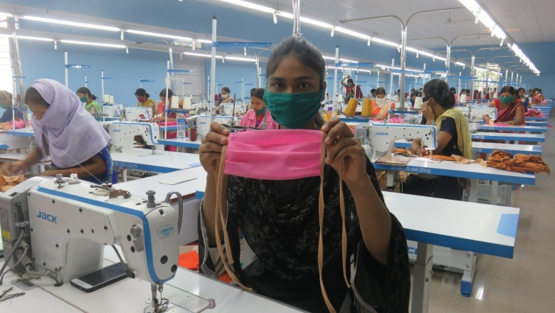 Self Help Group member working at Koel Apparel Park, Palamu, Jharkhand