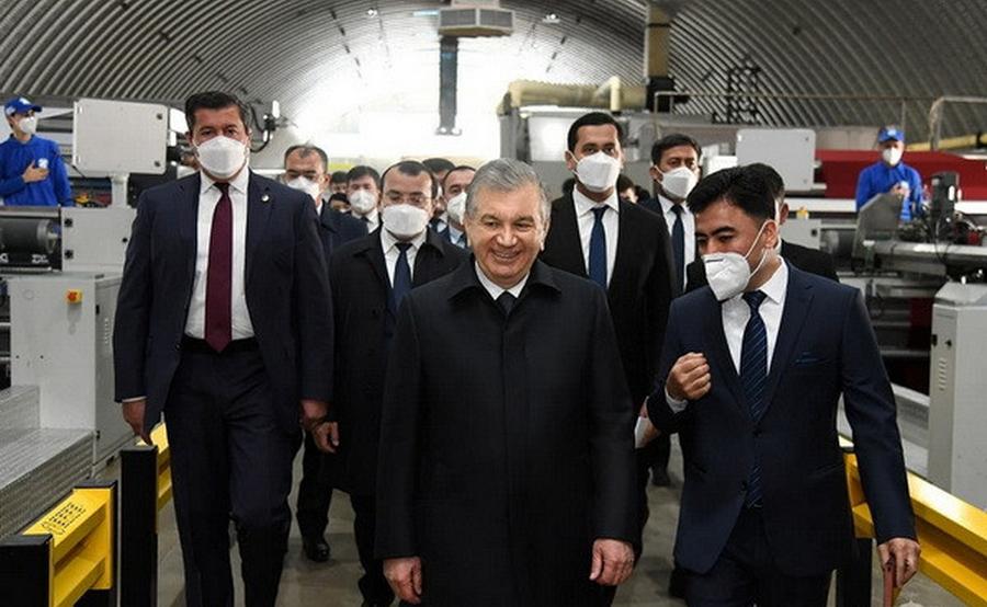 Uzbek President visits Chust Textile factory in Chust